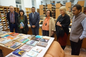 Дарение на книги за ЦИЕК (24.11.2016)